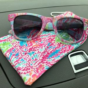 8cb2321f7d Lilly Pulitzer Accessories - Lilly Pulitzer sunglasses